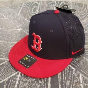 NWT Boston Red Sox Nike DRI-FIT Adjustable Hat